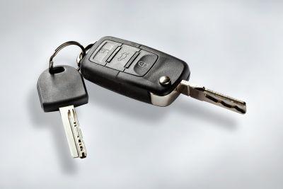Mengira pinjaman kereta anda adalah mudah. Anda hanya perlukan kalkulator.