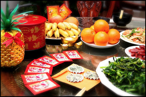 chinese new year traditions While chinese new year celebrations are known for the fireworks and food, the holiday is steeped in tradition and ceremony, with rituals invoking good luck and prosperity for the year ahead.