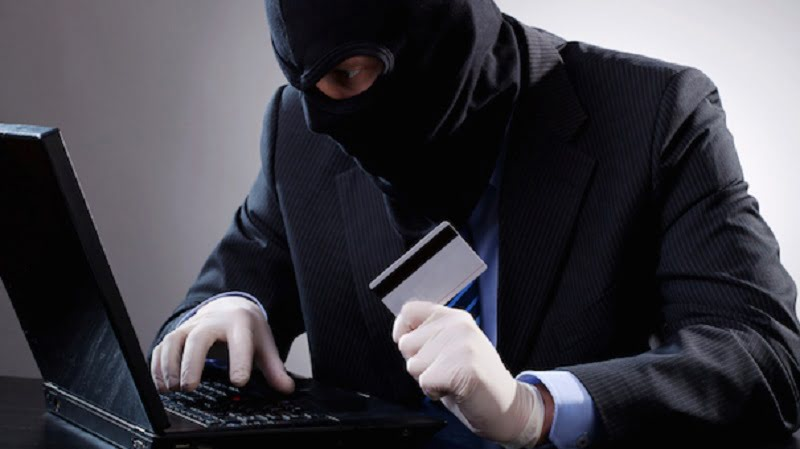 BEWARE: 6 Easy Ways Your Credit Card Details Can Be Stolen!