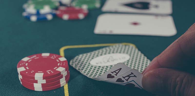 3 Similarities Between Poker & Investment I Learned From Tony Hsieh