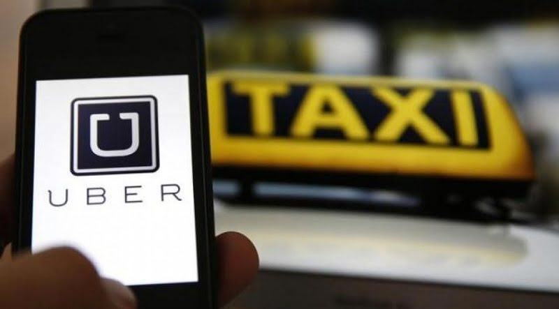 Putrajaya Wants Uber, Grab To Comply With Taxi Rules