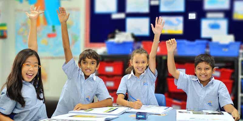 国际学校 - 英式教育和美式...