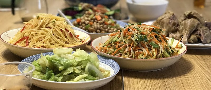 9 CNY Reunion Dinner Promos Below RM150 Per Person