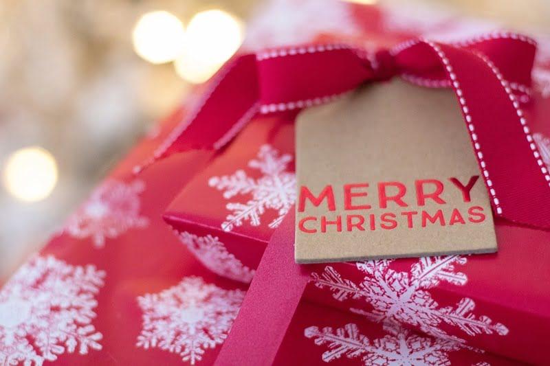 15 Last-Minute Gift Ideas Below RM30