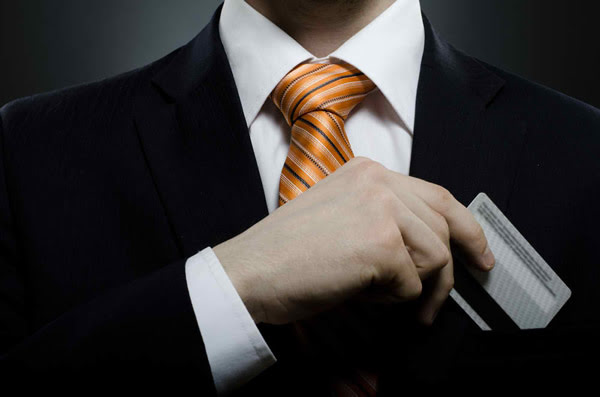 business-man-with-credit-card