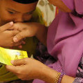 4 Lessons To Teach Your Kids About Duit Raya
